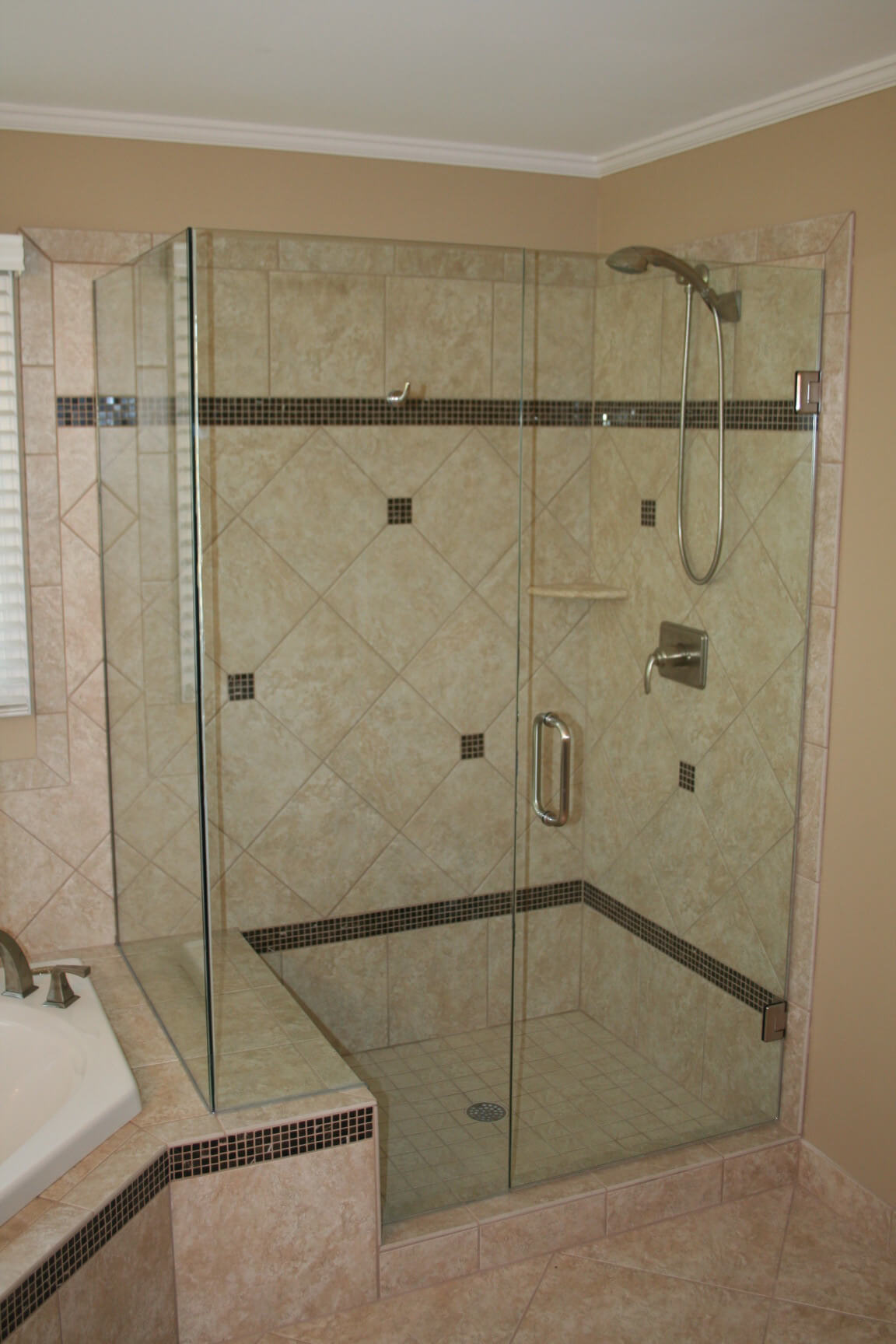 Dg 3 Bathroom glass doors design